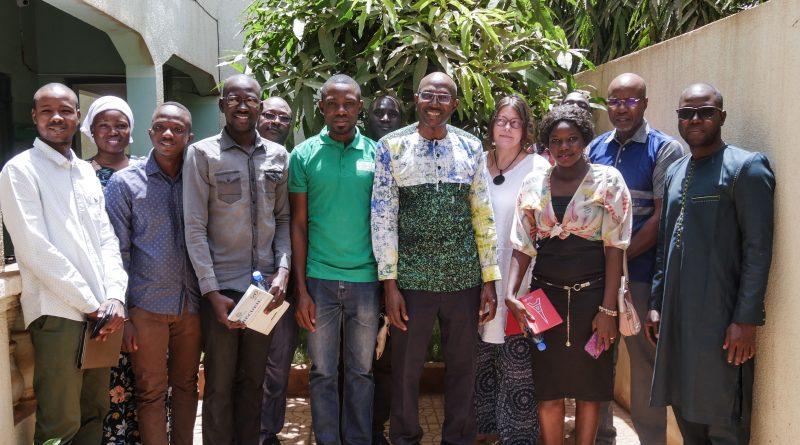 Photo de Famille Rencontre Associations Jeunes et Responsables Mali-Folkecenter Nyetaa