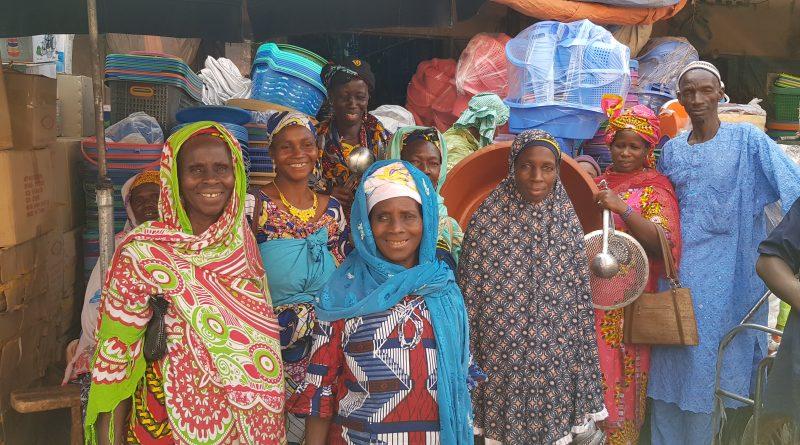 Les-femmes-des-Coopératives-au-march