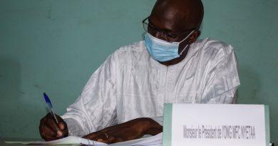 Cérémonie de signature de la convention de partenariat entre Mali-Folkecenter Nyetaa (MFC) et l'Assemblée Permanente des Chambres de Métiers du Mali (APCMM)